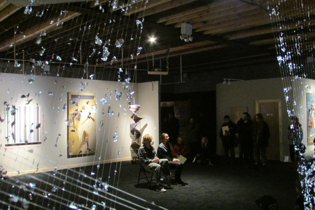 un scene art show