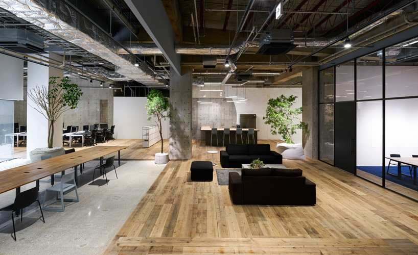 The AQKA office interior of Tokyo. Photography by Daici Ano.